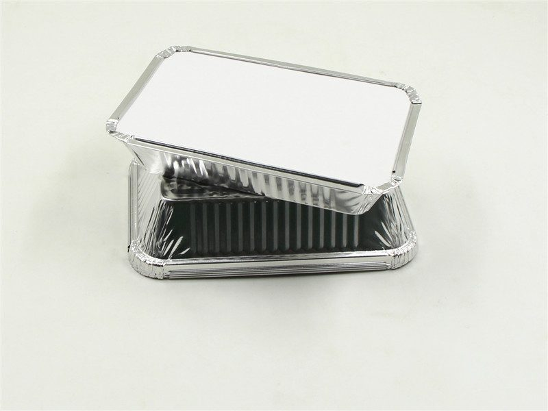 aluminium foil tray with white lid