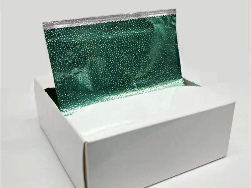 Pop up hair dye foil sheets in green
